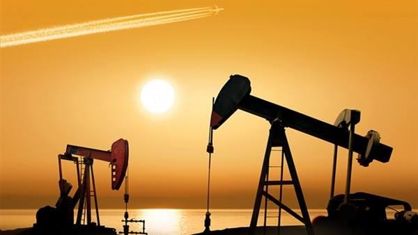 اسعار النفط تسجل أضعاف خلال الشهر من 10 سنوات