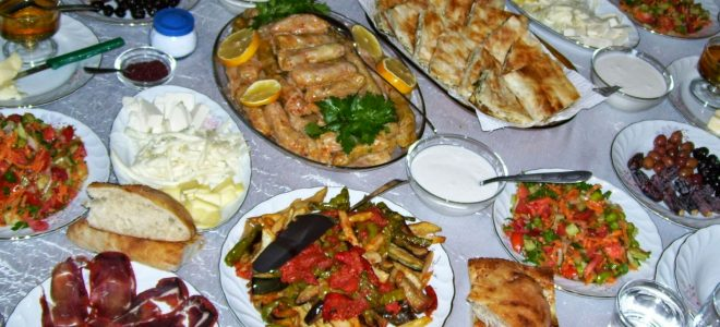 """منيو رمضان2019 //إليكي أحلى """"منيو رمضان"""" ٣٠ يوم إفطار وسحور"""