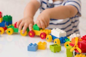 العاب اطفال بين المرح والتعليم