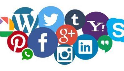 سلبيات مواقع التواصل الإجتماعي وإيجابيتها