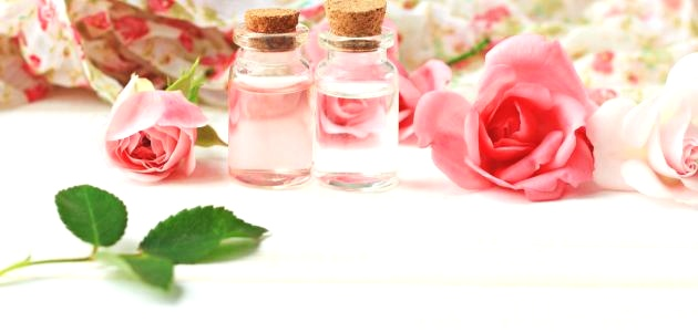 وصفات طبيعية بماء الورد
