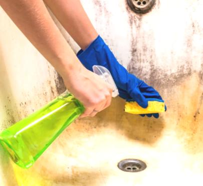 طريقة تنظيف الحمام من الاصفرار